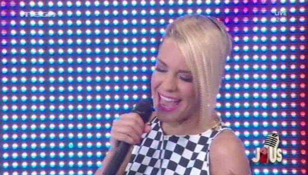 Η Ράνια Κωστάκη στο έκτο live του J2US (βίντεο)